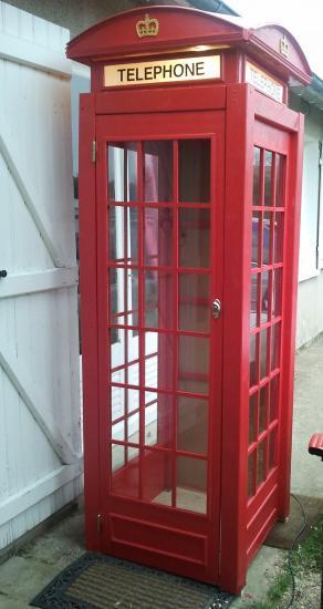 Cabine téléphonique anglaise réalisée dans nos ateliers